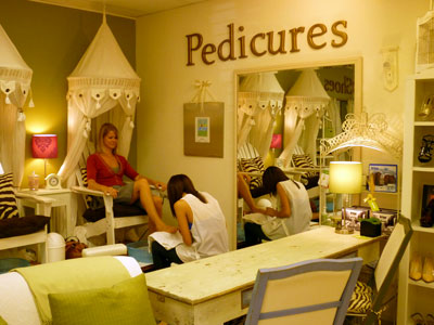 How do you like your pedicure chic nail styles for Salon de pedicure