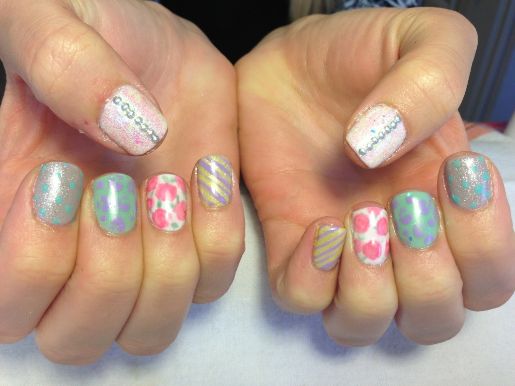 Funky Vintage Nail Art-Gelish and Gelcolor - Chic Nail Styles