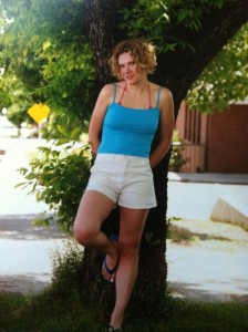 This is my sister Mandy probably 12 years ago when we were living together on Main Street...isn't she a babe! :)