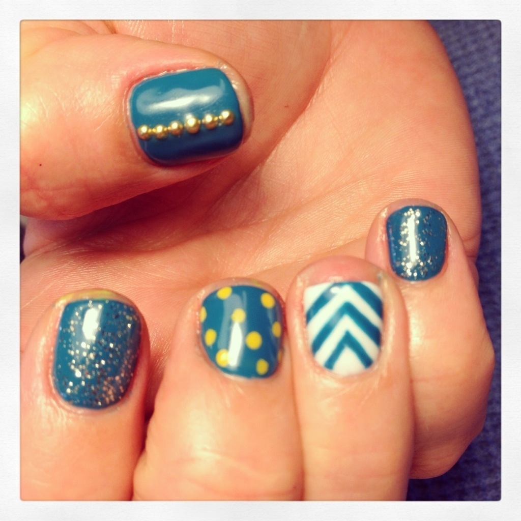 Lots of fun nail art!!! Feathers, chevron, houndstooth, glitter ...