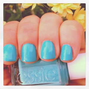 This new polish from Essie's Resort Collection 2013 is seriously amazing!