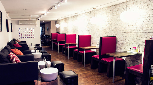 Chic salon styles dreamy salons and spas chic nail styles for 24 nail salon nyc
